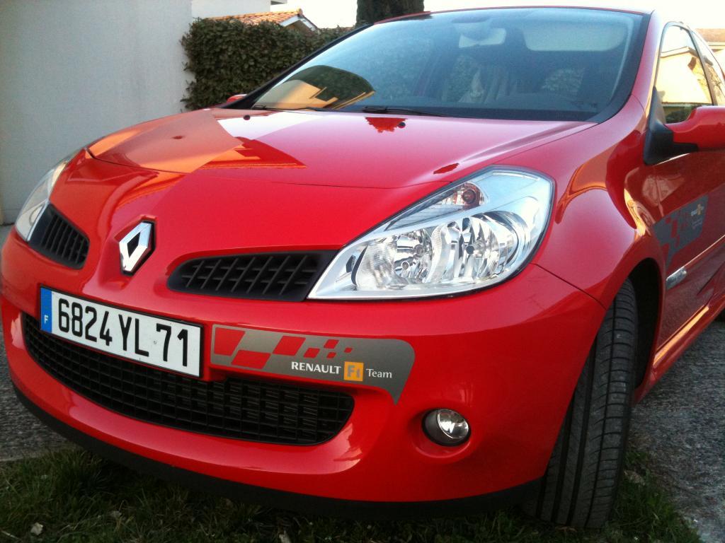 Vends Sticker Renault Replica - Stripping - et autres modeles  Img_0707-2644af2
