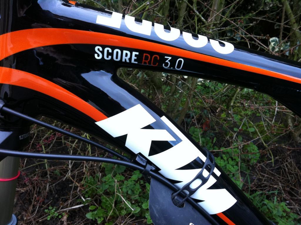 Mon KTM Score RC 3.0 modele 2010 Ktm-score-3.0-zoom-260fd85