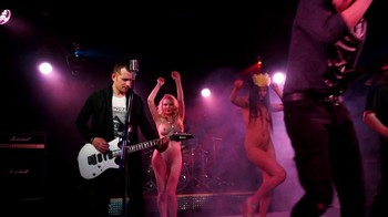 Celebrity Content - Naked On Stage - Page 4 Xi7fwjz86r9x