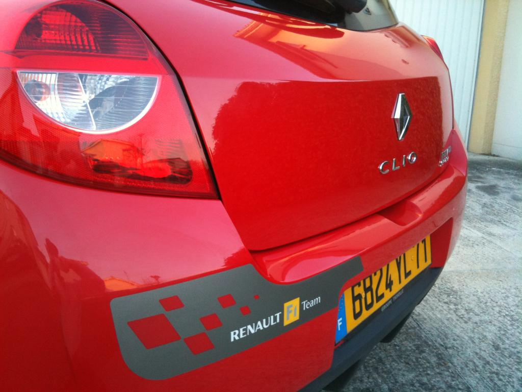 Vends Sticker Renault Replica - Stripping - et autres modeles  Img_0718-2644c56