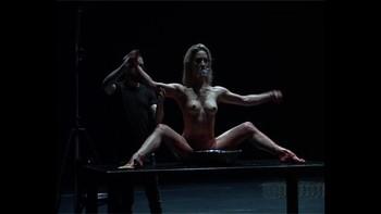 Celebrity Content - Naked On Stage - Page 3 Ji37mumxuajm