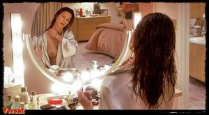 Rhona Mitra & Elisabeth Shue & Kim Dickens - Hollow Man (2000) Pcz3mkyinsh7