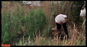 Nastassja Kinski, Annette O'Toole in Cat People (1982) Rd5lyyroo1la