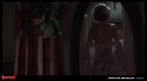 Penelope Ann Miller in Carlito's Way (1993) Dsamvlnohmm2