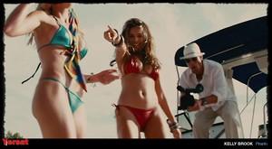Elisabeth Shue in Piranha 3D (2010) S3ljswg4w57p
