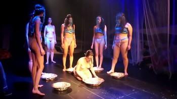 Celebrity Content - Naked On Stage - Page 5 4vl3bs2kjnuc
