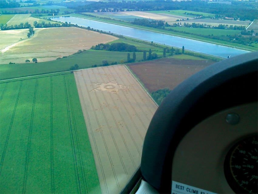 Crop Circle 2011  - Page 13 Allemagne-01e-2b6e5e1