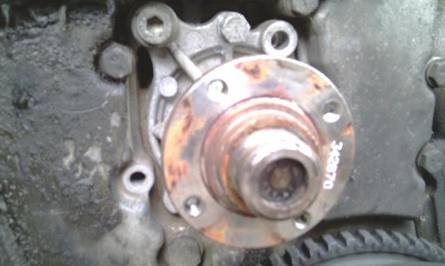 [ BMW E36 316i compact an 1995 ] Durite radiateur habitacle cassée de l'embout rouge - Page 2 Imag0070-2a2614e