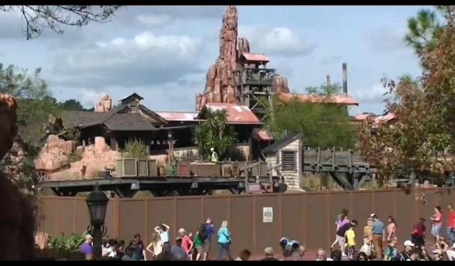 [Magic Kingdom et Disneyland Park] Grosse réhab' pour Big Thunder Mountain Railroad (2012-2013) Rahab1-307cdfb