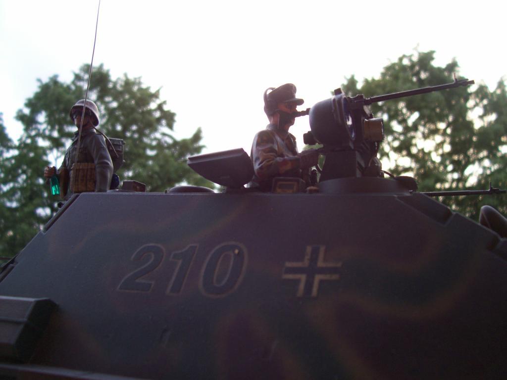mars 1945:nacht panzerjäger V jagdpanther!!!(1/16eme) - Page 3 100_5160-349fac2