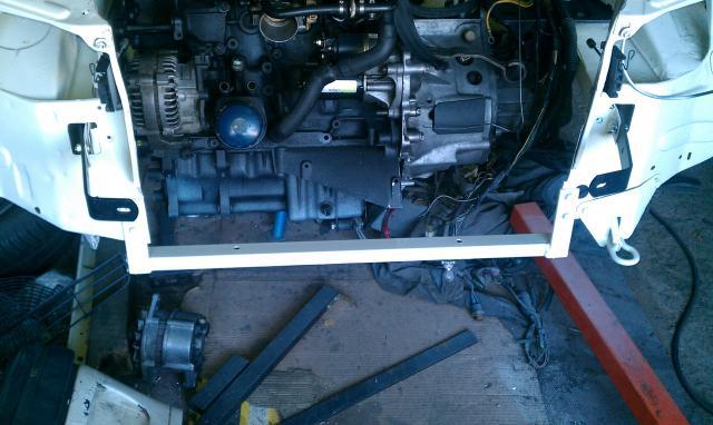 [Mike974style] 205 GTI 1.6 Blanc Meije (mode renovation) - Page 4 Traverse-inferieur-peinte-3a0afb0