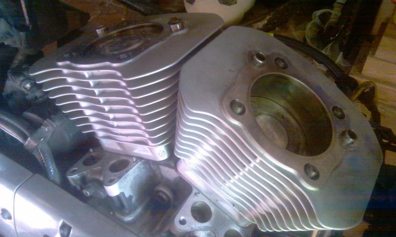 [MOT] Haut moteur BUELL XB sur Sportster 883 1998 Imag0715-36b1094