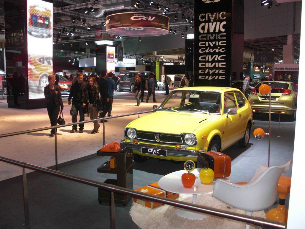 Pour les 40 ans de la Civic et mondial de l'automobile 2012 Cimg8351-386212b