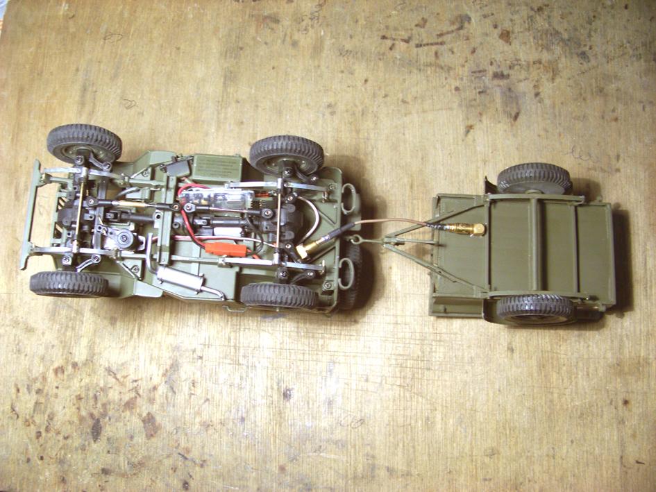 Jeep Danbury 1/16e, motorisée Sumo + remorque Bantam 1/4 t 100_2893-433f83d