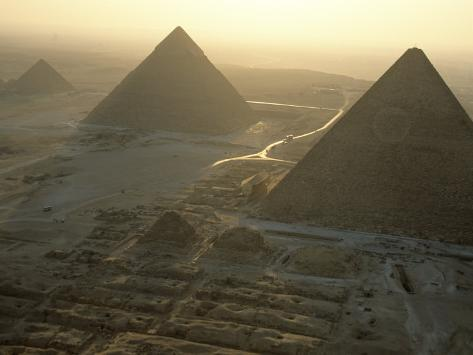 Giza's Basalt Floor ~ Proof Of High-Technology? Kenneth-garrett-pyramids-at-giza-giza-plateau-egypt