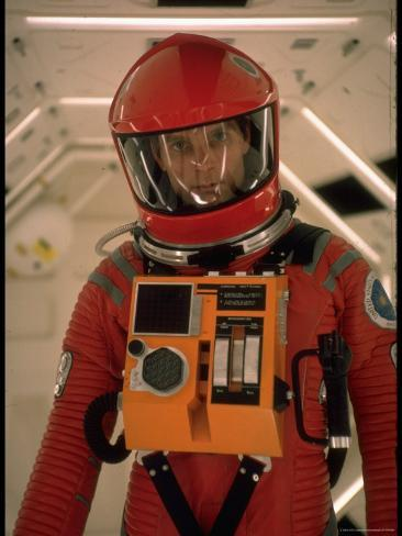 [Jeu] Association d'images Dmitri-kessel-actor-keir-dullea-in-space-suit-in-scene-from-motion-picture-2001-a-space-odyssey