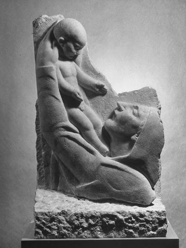 Ivan Meštrović Sculpture-by-ivan-mestrovic-of-mother-and-child