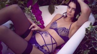 Celebrity Erotica  - Page 2 599f204bedcde