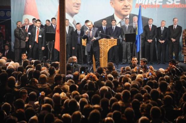 La nouvelle diplomatie turque? - Page 7 LiveImages%5CFoto%20Haber%5C423%5CKosova%27da%20Erdo%C4%9Fan%20co%C5%9Fkusu%5CA03203357