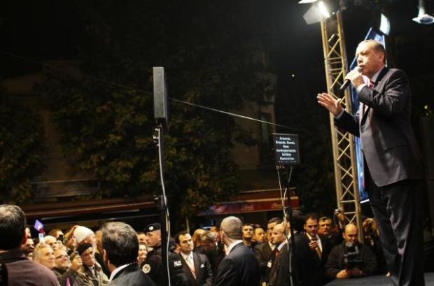 La nouvelle diplomatie turque? - Page 7 LiveImages%5CFoto%20Haber%5C423%5CKosova%27da%20Erdo%C4%9Fan%20co%C5%9Fkusu%5CR03202338