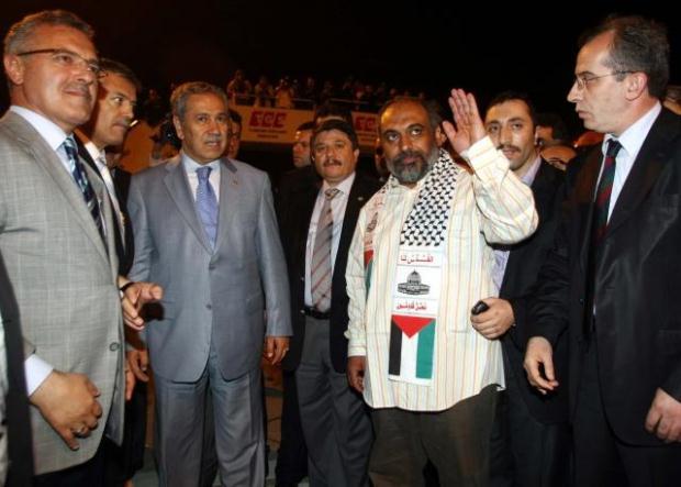 La paix au Moyen Orient - Page 11 LiveImages%5CFoto%20Haber%5C464%5CYard%C4%B1m%20g%C3%B6n%C3%BCll%C3%BCleri%20%C4%B0stanbul%27da%5CA03034324