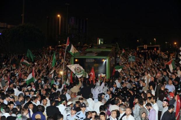 La paix au Moyen Orient - Page 11 LiveImages%5CFoto%20Haber%5C464%5CYard%C4%B1m%20g%C3%B6n%C3%BCll%C3%BCleri%20%C4%B0stanbul%27da%5CF03095905