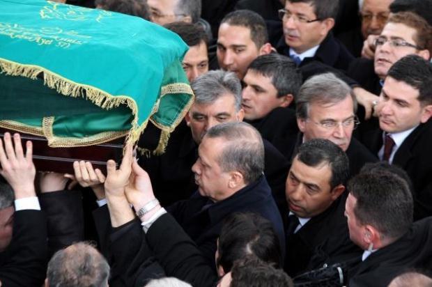 TURQUIE : Economie, politique, diplomatie... - Page 2 LiveImages%5CFoto%20Haber%5C922%5CErbakan%20i%C3%A7in%20Fatih%20Camii%27nde%20t%C3%B6ren%5CA01141207