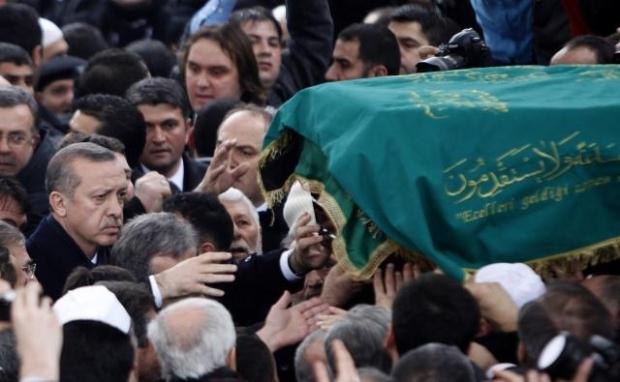 TURQUIE : Economie, politique, diplomatie... - Page 2 LiveImages%5CFoto%20Haber%5C922%5CErbakan%20i%C3%A7in%20Fatih%20Camii%27nde%20t%C3%B6ren%5CR01134651