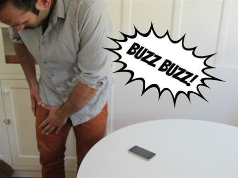 6 dấu hiệu của việc bạn đã nghiện smartphone 20120717154113_buzzmadrigal615