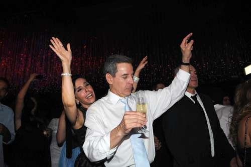 Bandas de casamento ,tocam por até R$16mil. 20130223211524912825i