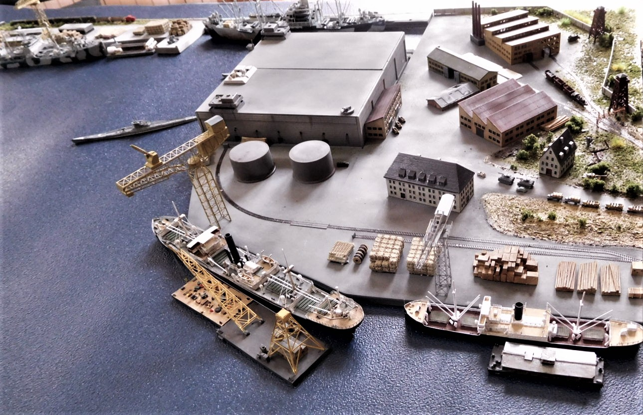 Diorama base navale 1/700 par Nesquik - Page 4 A2cRyB8
