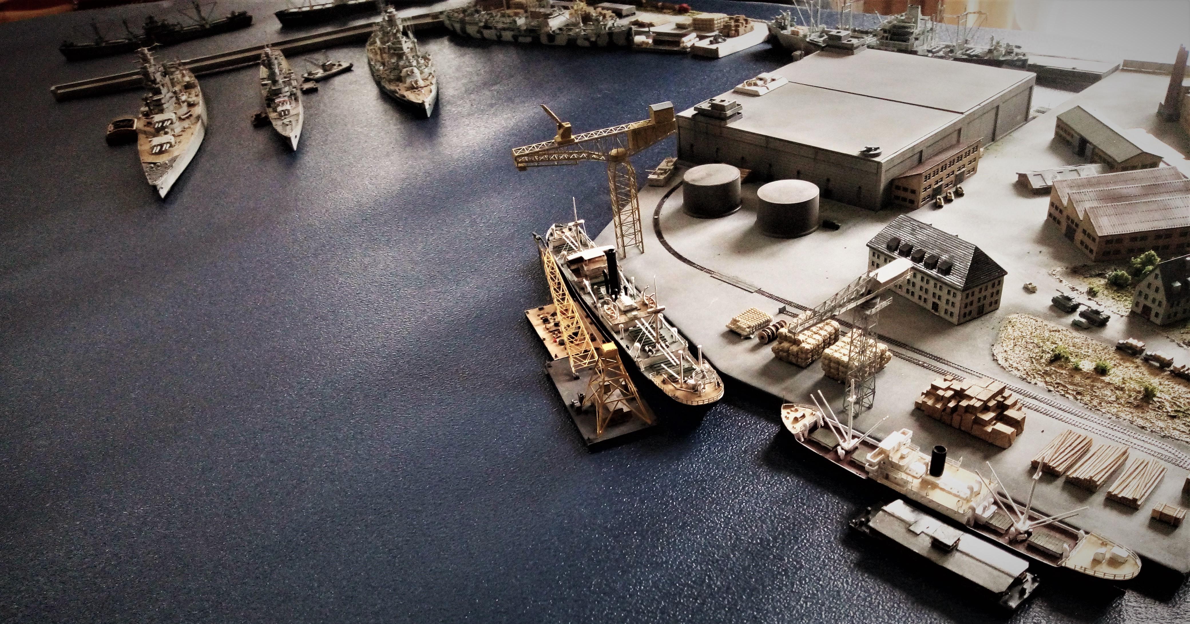 Diorama base navale 1/700 par Nesquik - Page 4 AcD0MoWft