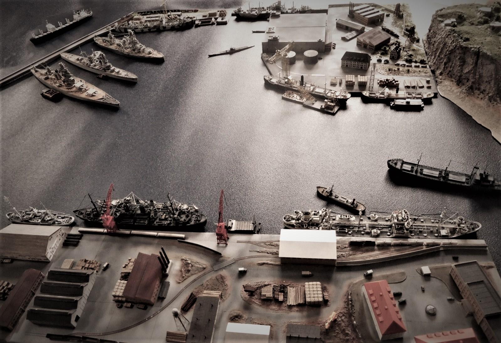 Diorama base navale 1/700 par Nesquik - Page 4 LP3aKmiU