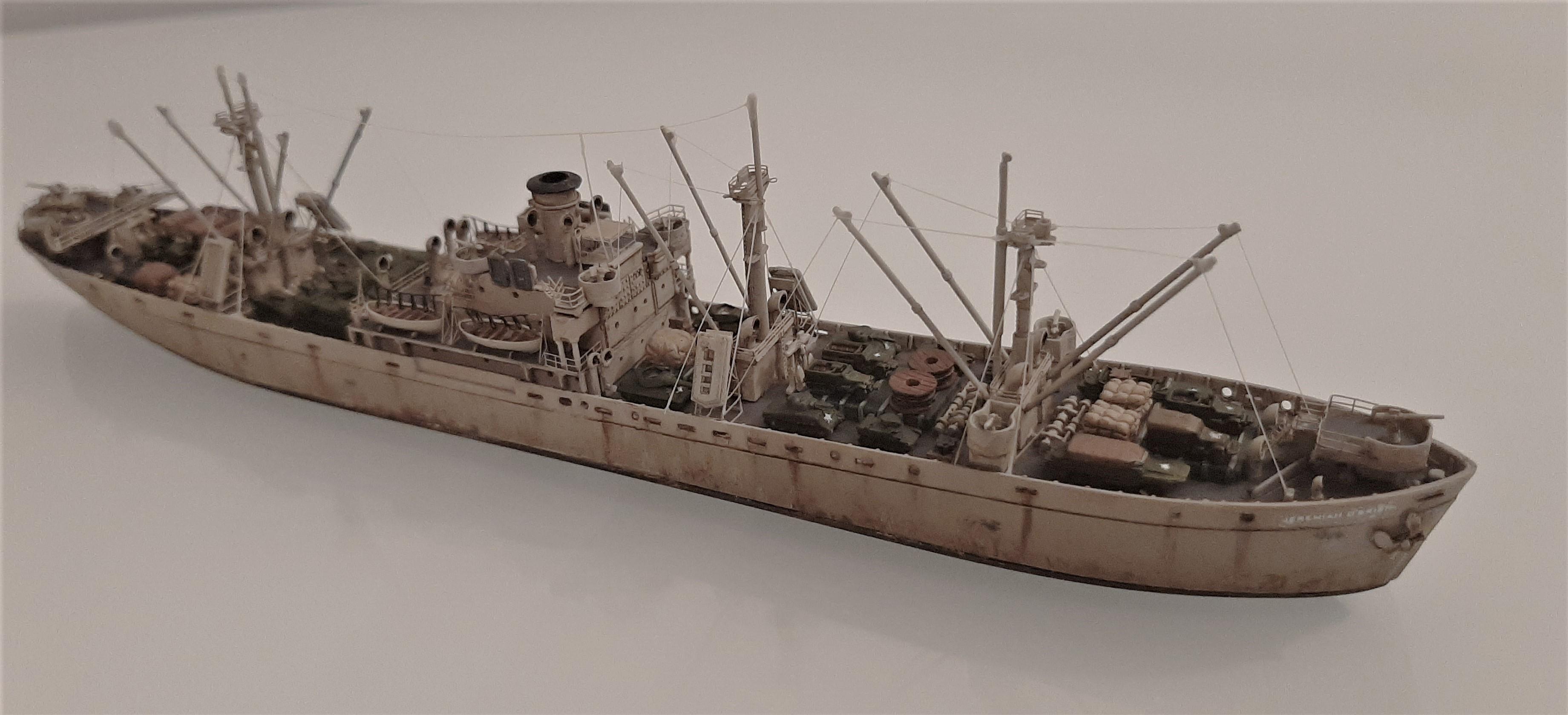 Liberty ship Jeremiah O'Brien 1/700 Trumpeter  AtIG3