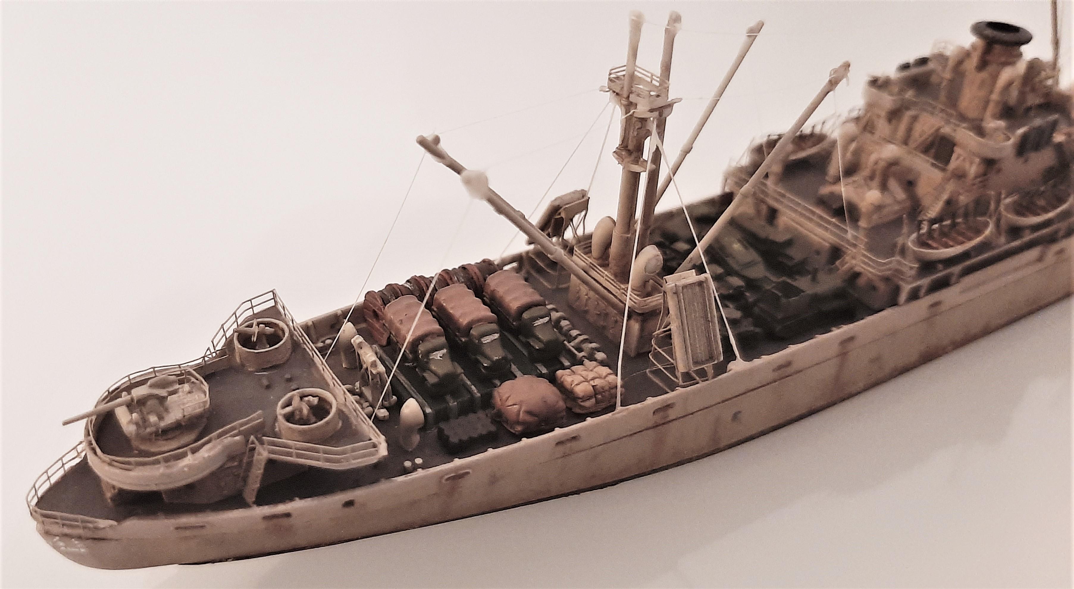 Liberty ship Jeremiah O'Brien 1/700 Trumpeter  SHPImO40v