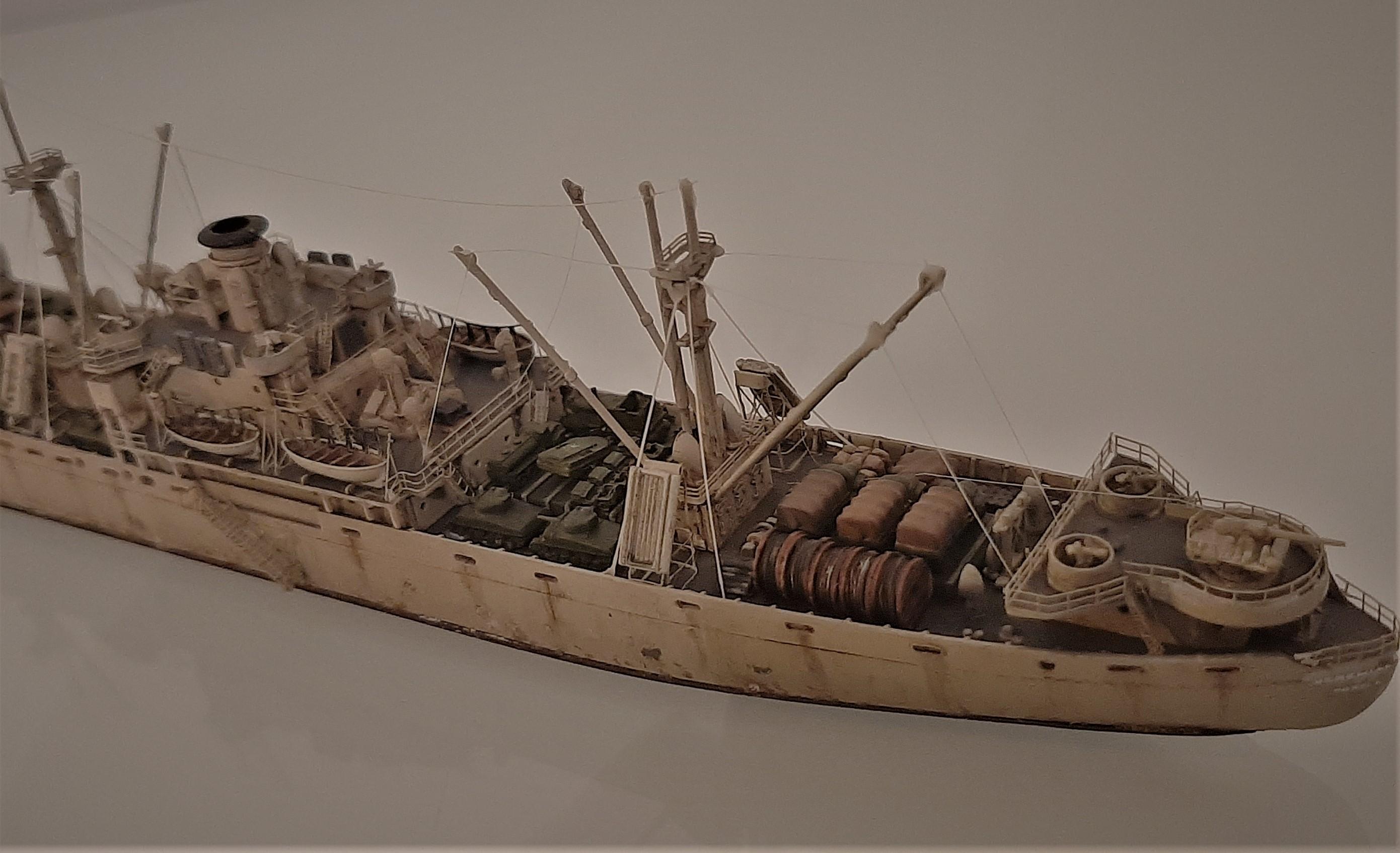 Liberty ship Jeremiah O'Brien 1/700 Trumpeter  VUmDAZYk