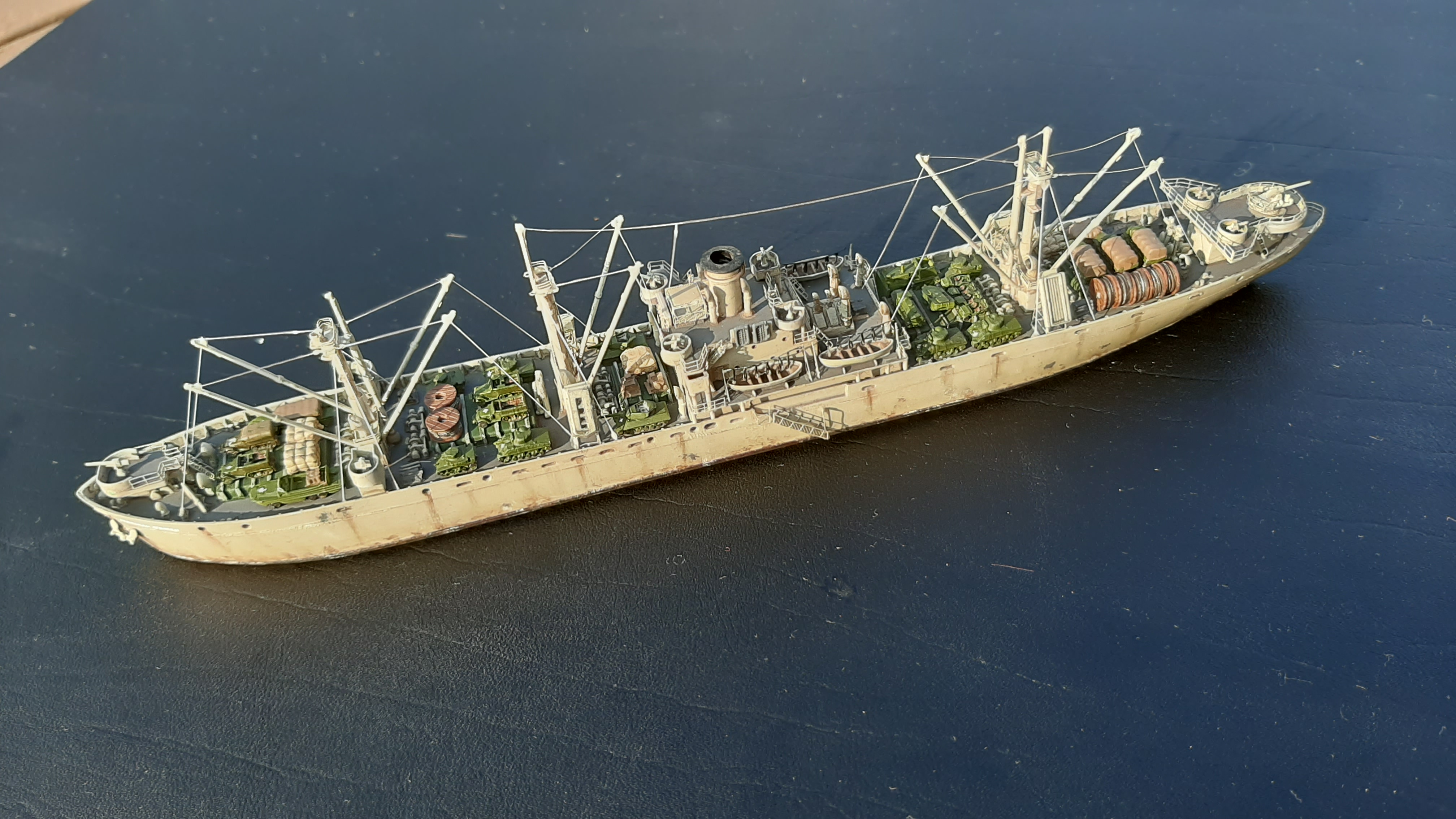 Liberty ship Jeremiah O'Brien 1/700 Trumpeter  8AQ5f17