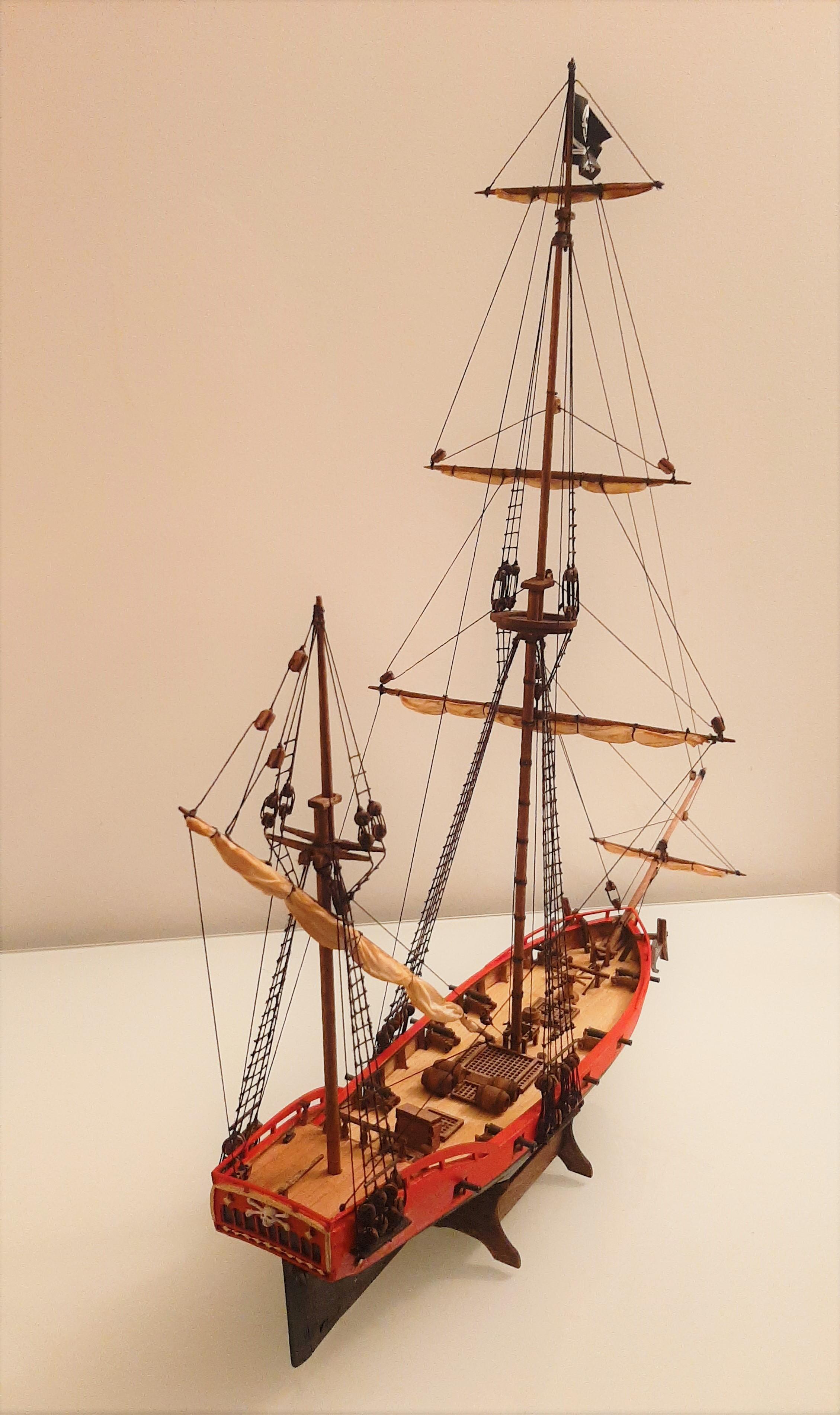 Galiote du pirate Rackham Le Rouge 1/100 (Tintin - le secret de la licorne) KmP0to