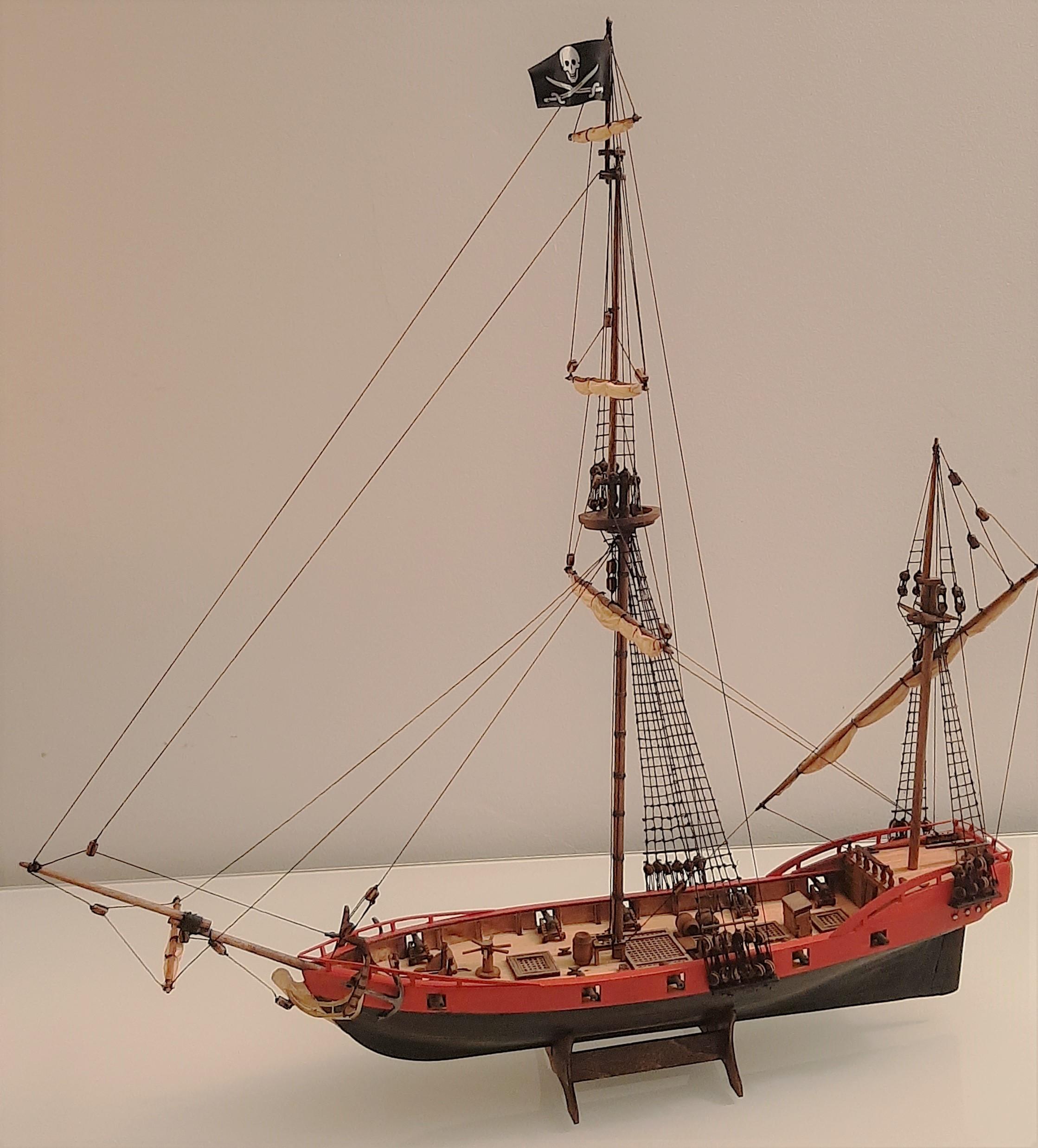 Galiote du pirate Rackham Le Rouge 1/100 (Tintin - le secret de la licorne) T7QBJf