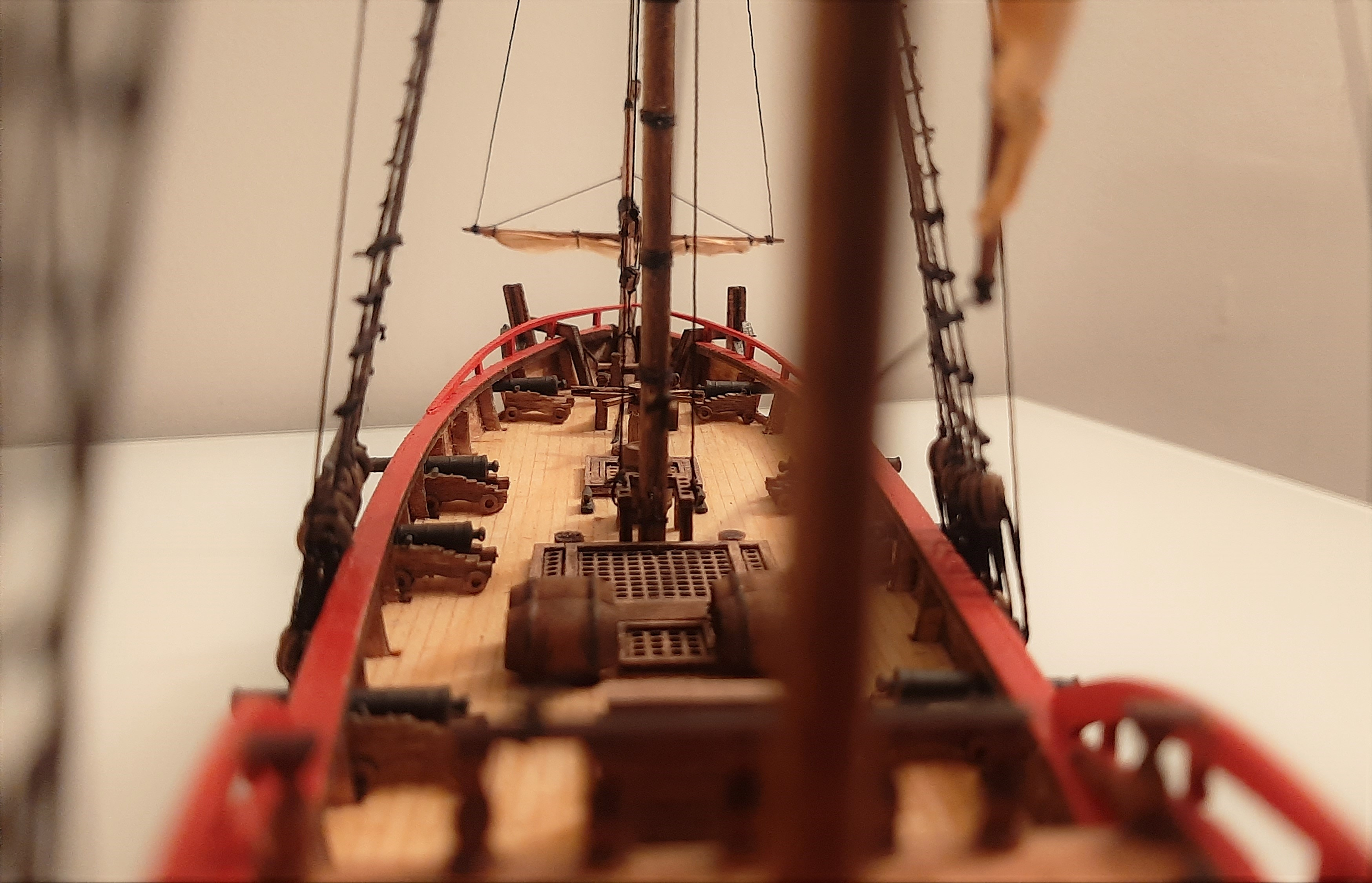 Galiote du pirate Rackham Le Rouge 1/100 (Tintin - le secret de la licorne) USRO5Uvpb