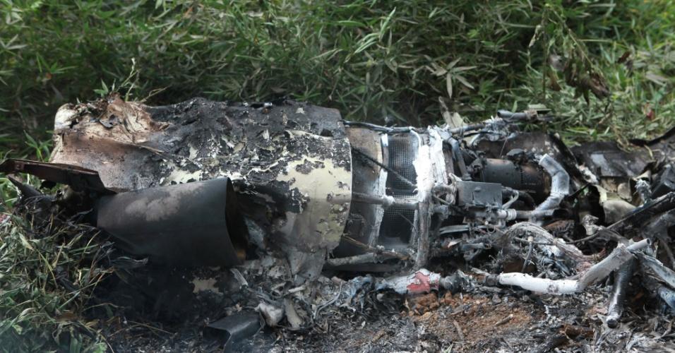aeroporto - [Brasil]Aeronave cai perto do aeroporto de Juiz de Fora, em MG 28jul2012---local-onde-um-aviao-bimotor-caiu-na-manha-deste-sabado-28-em-juiz-de-fora-minas-gerais-em-um-ponto-de-dificil-acesso-as-causas-do-acidente-so-poderao-ser-identificadas-apos-pericia-da-1343491407453_956x500