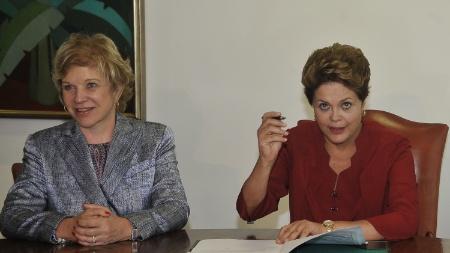 #NOTICIAS# Opinião: Mi-mi-mi meus jogos não são cultura, e eu não sou culto 27dez2012---a-ministra-da-cultura-marta-suplicy-esq-e-a-presidente-dilma-rousseff-durante-sancao-da-lei-do-vale-cultura-no-palacio-do-planalto-em-brasilia-o-projeto-dara-um-auxilio-mensal-de-r-1356637111092_450x253