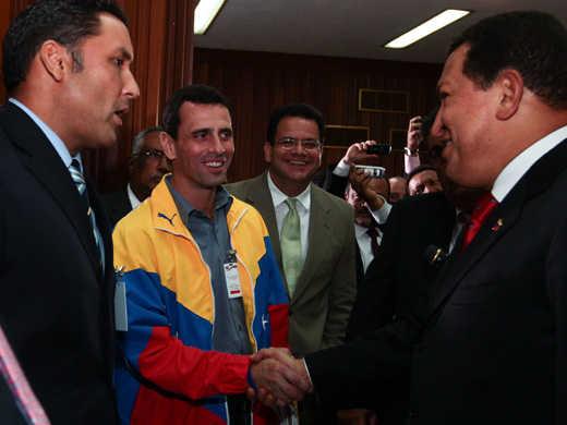 Capriles Radonski, el Rival de Hugo Chavez a la Presidencia de Venezuela es un Jesuita! Chavez-gobernadores1