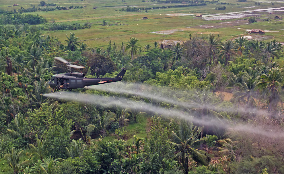 hélicoptères  V10_00530626