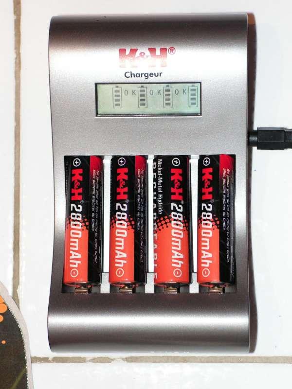 Chargeur accus R3 & R6 : Possible de ne charger qu'un seul accumulateur ! Chargeur-accu06