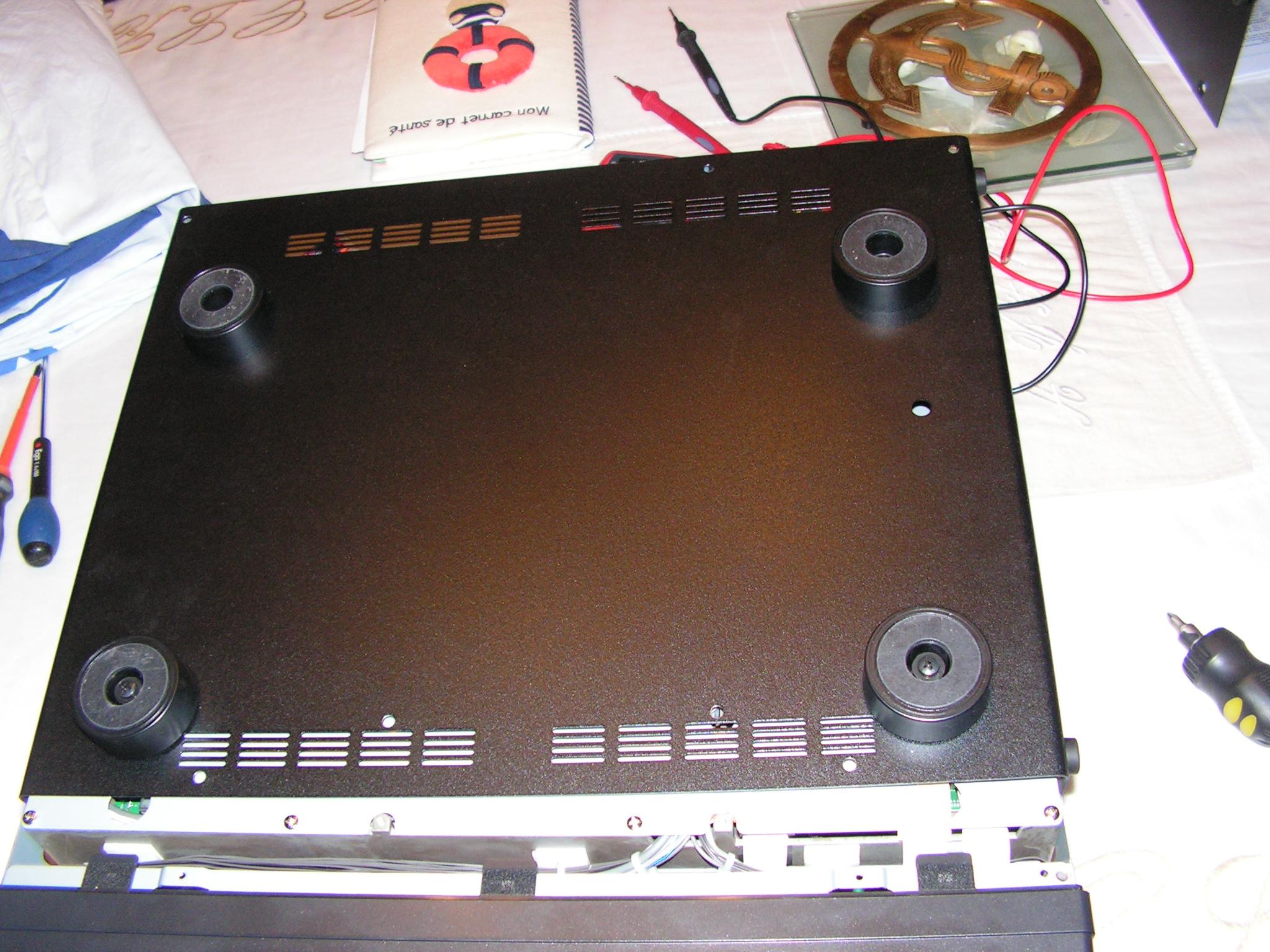 FT2000 : Dongle RTL SDR - Mise en place 010-ft2000-capot-dessous