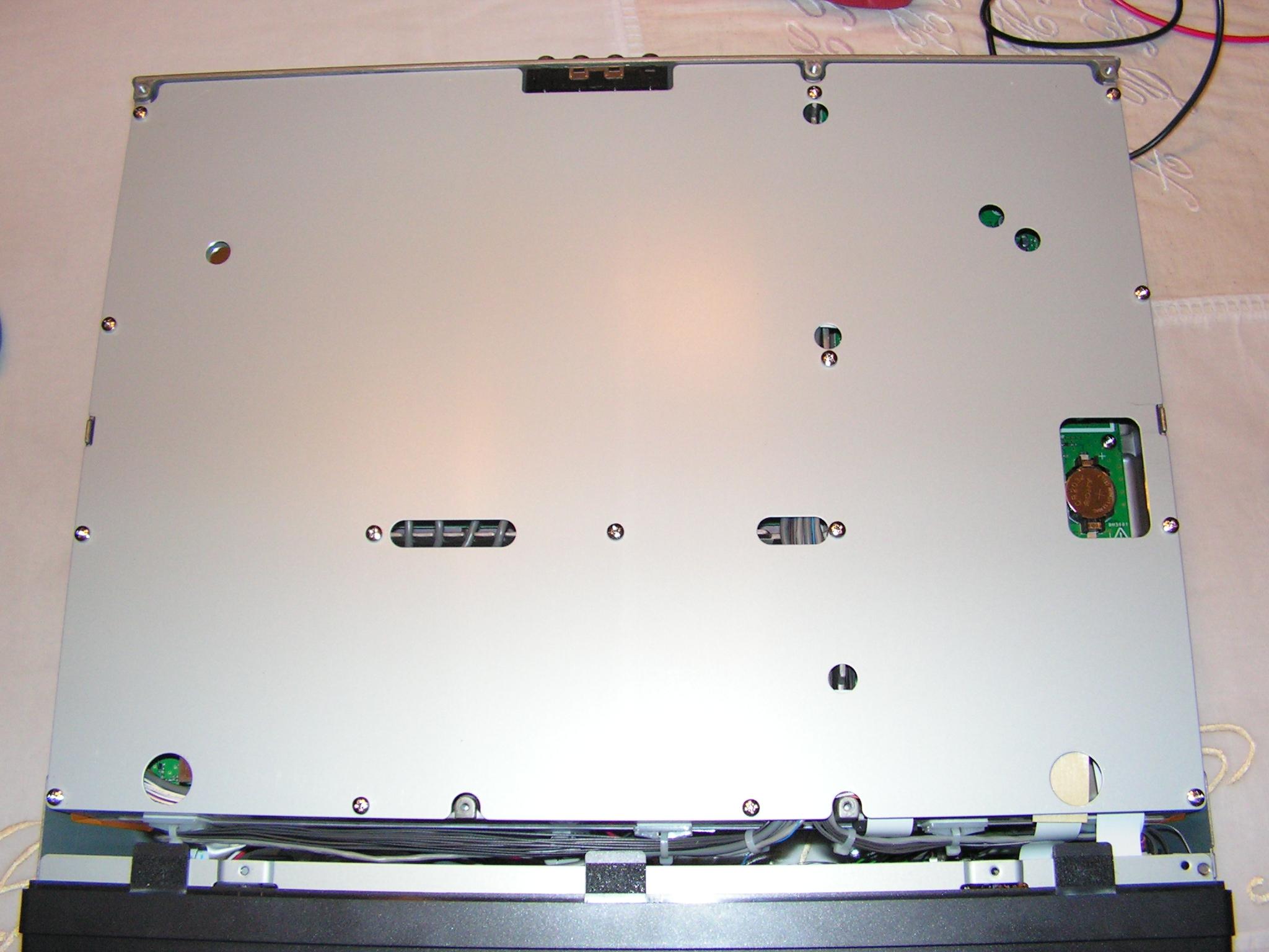 FT2000 : Dongle RTL SDR - Mise en place 011-ft2000-dessous-blindage