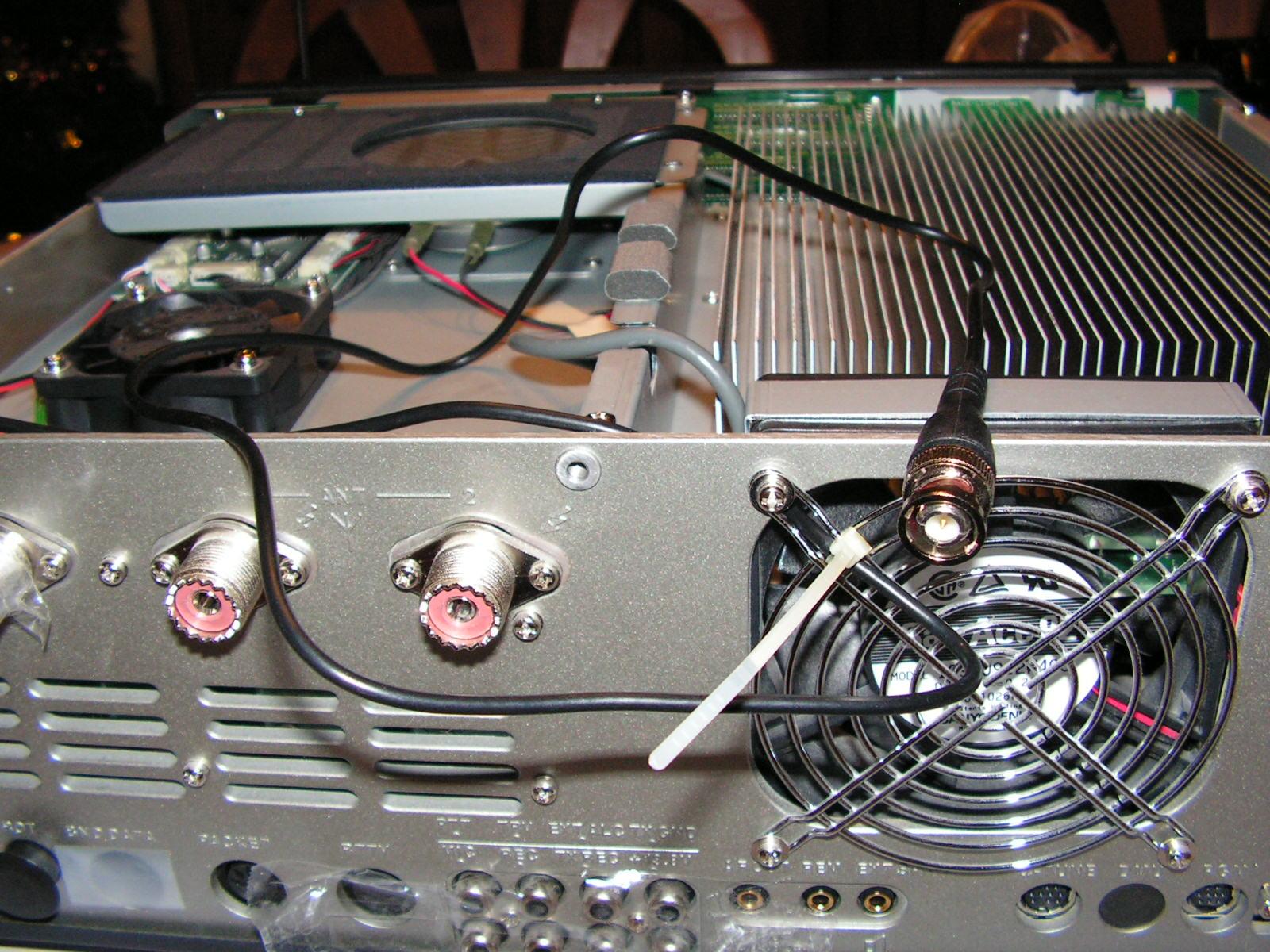 FT2000 : Dongle RTL SDR - Mise en place Connecteur-h-crampe-ventilo