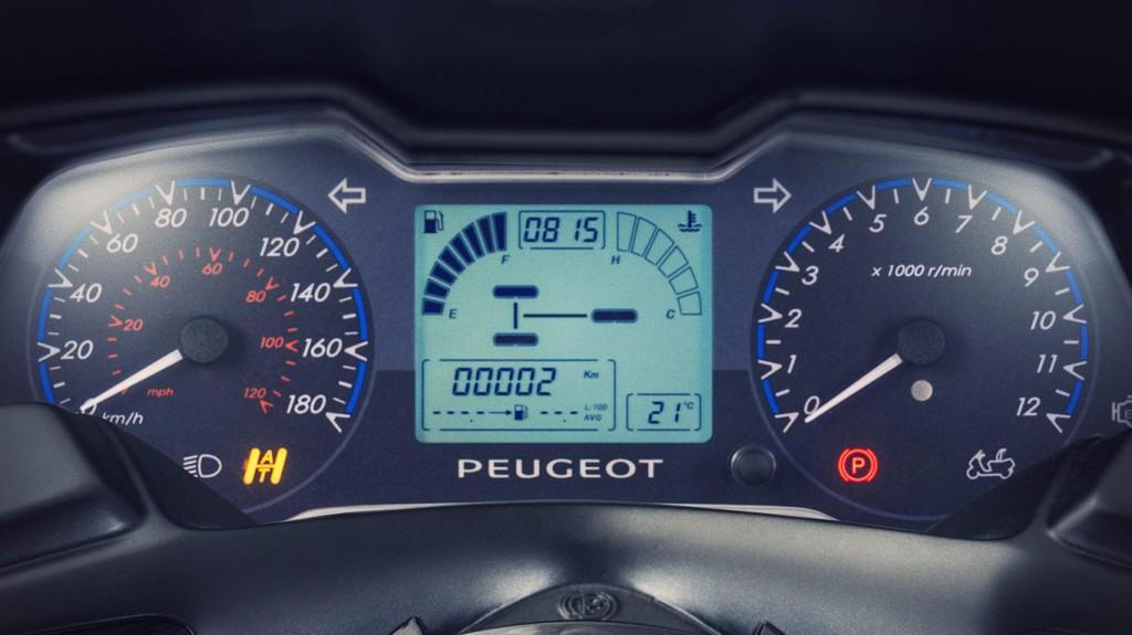 Compte Rendu très complet Metropolis 400 RS Peugeot-metropolis-scooters-05-1024x575