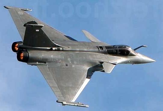أحسن 10 طائرات بالعالم  Rafale-avion-chasse-france